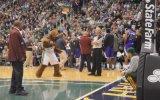 NBA hakeminden müthiş dans!