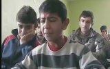 Kürtçe Şarkı Söyleyen Çocuk