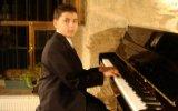 HASTANE ÖNÜNDE İNCİR AĞACI Çocuk Piyanist ile Yozgat Türküsü Piyano Küçük minik Çocuklar Müzisyen HD