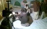 Pakistan'dan Tanıdık Sahneler Tarikatçılar Şeyhlerine Secde Ediyor