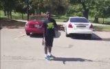 Arabanın Üstünden Atlamaya Çalışan Gencin Dramı