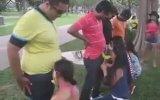 Tayvan'da Bir Garip Muz Yeme Yarışması